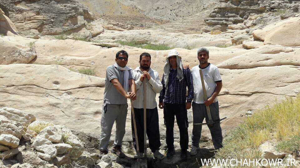 http://bayanbox.ir/view/5606402488156009931/Paksazi-Cheshmeh-Aab-Sorkoo-5.jpg