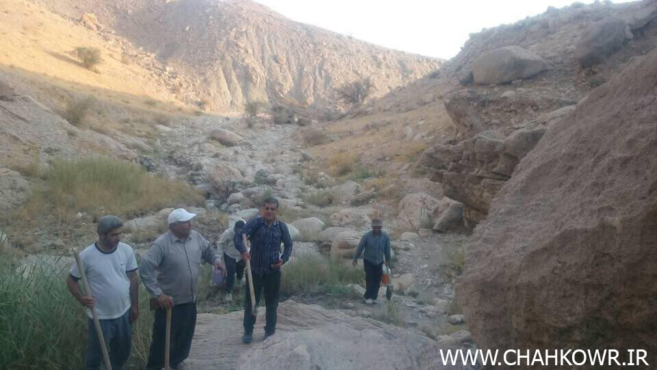 http://bayanbox.ir/view/5755376868853116128/Paksazi-Cheshmeh-Aab-Sorkoo-1.jpg