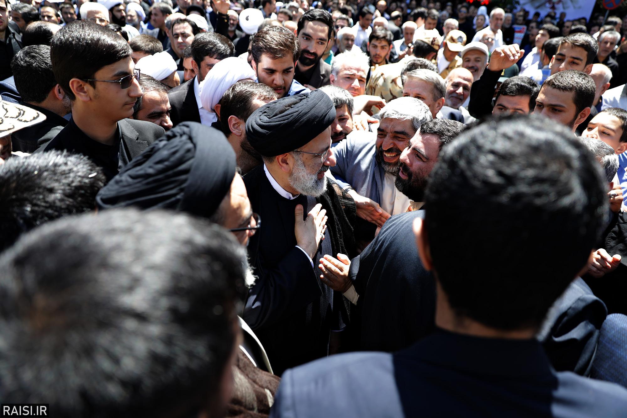 حضور و سخنرانی تولیت آستان قدس رضوی در اجتماع «روز قدس» مردم تبریز