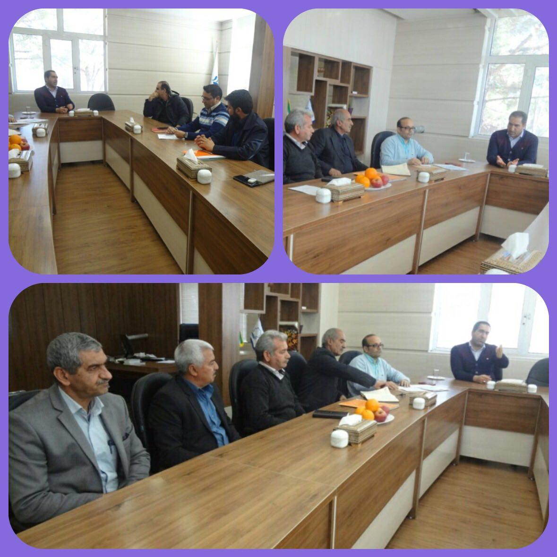 جلسه اعضای کمیسیون  سرمایه گذاری بخش خصوصی با مشارکت شهرداری وزوان