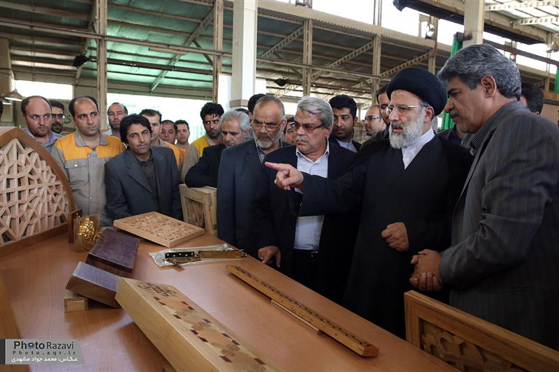 گزارش تصویری: بازدید تولیت آستان قدس رضوی از شرکت صنایع چوب رضوی