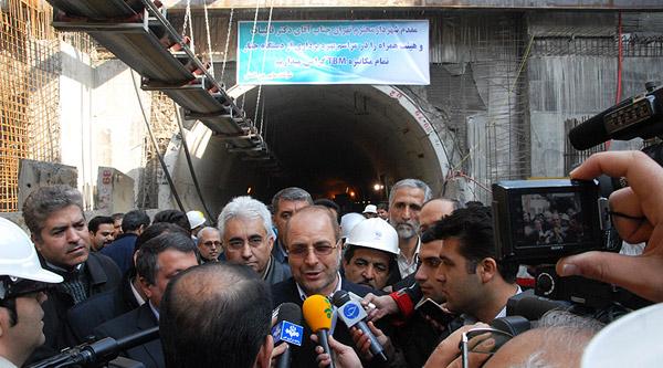 مراسم آغاز عملیات اجرایی دستگاه حفار اتوماتیک در خط سه مترو