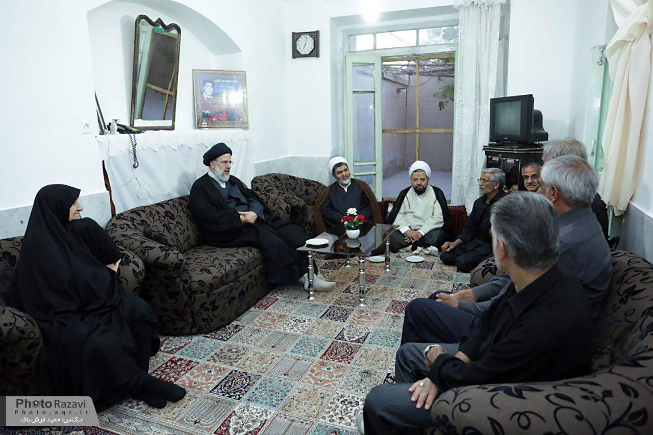 گزارش تصویری : دیدار حجت الاسلام رئیسی با خانواده شهیدان بذرافکن