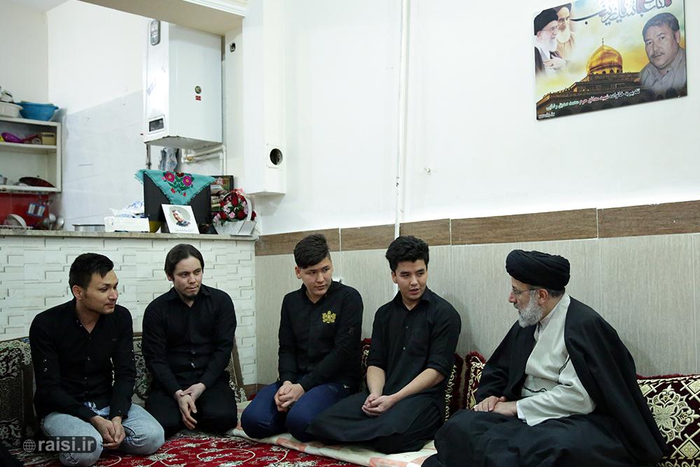 دیدار تولیت آستان قدس رضوی با خانواده شهید مدافع حرم «محمد صدیق رضایی»