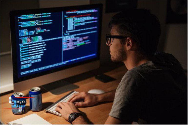 زبانهای برنامه نویسی برتر از نگاه کارشناسان در سالی که گذشت