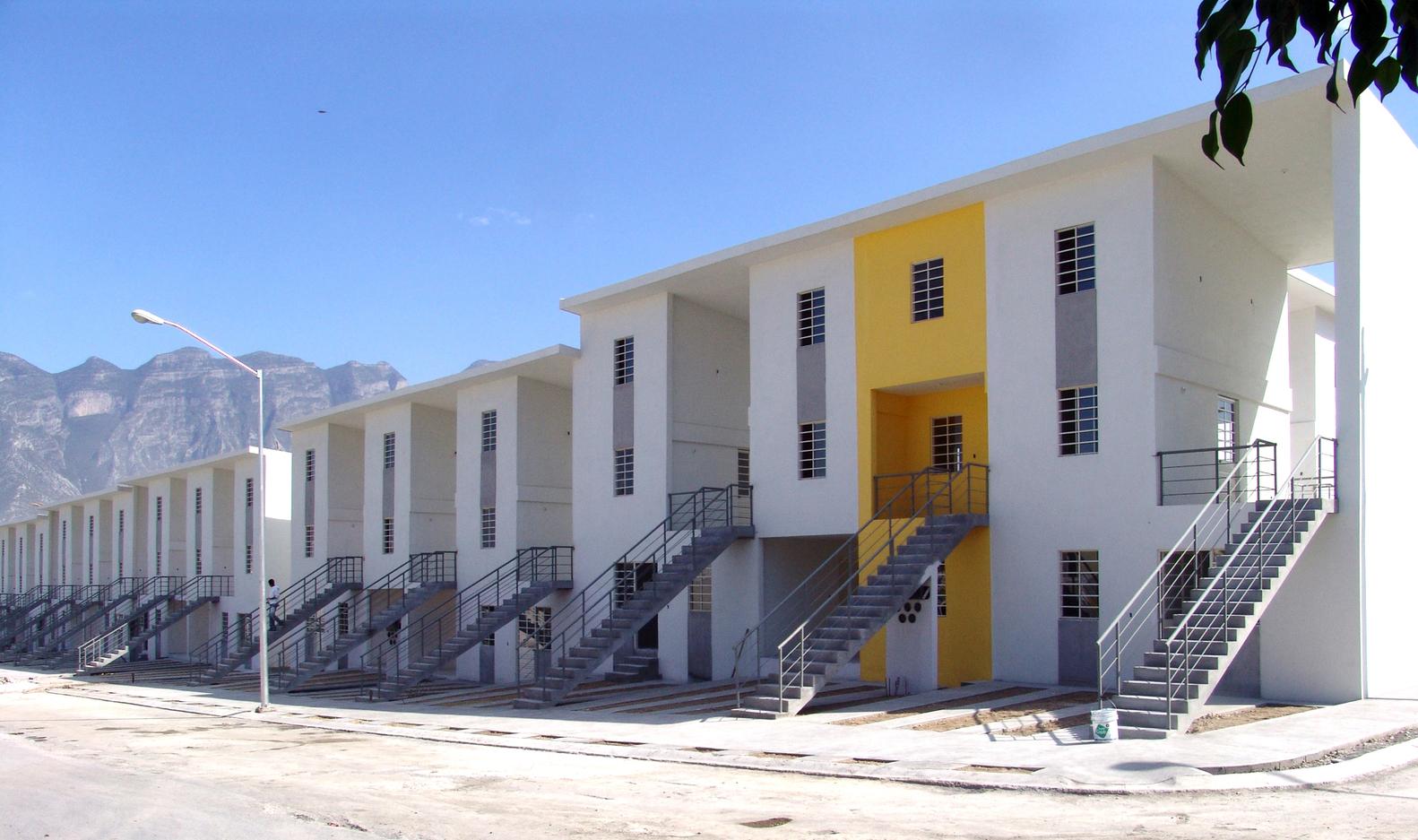 Monterrey Housing. Monterrey, Mexico 2010. Image © Ramiro Ramirez