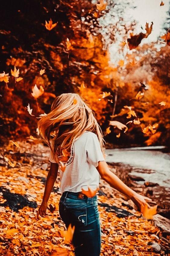 عکس دختر از پشت سر با موهای افشان