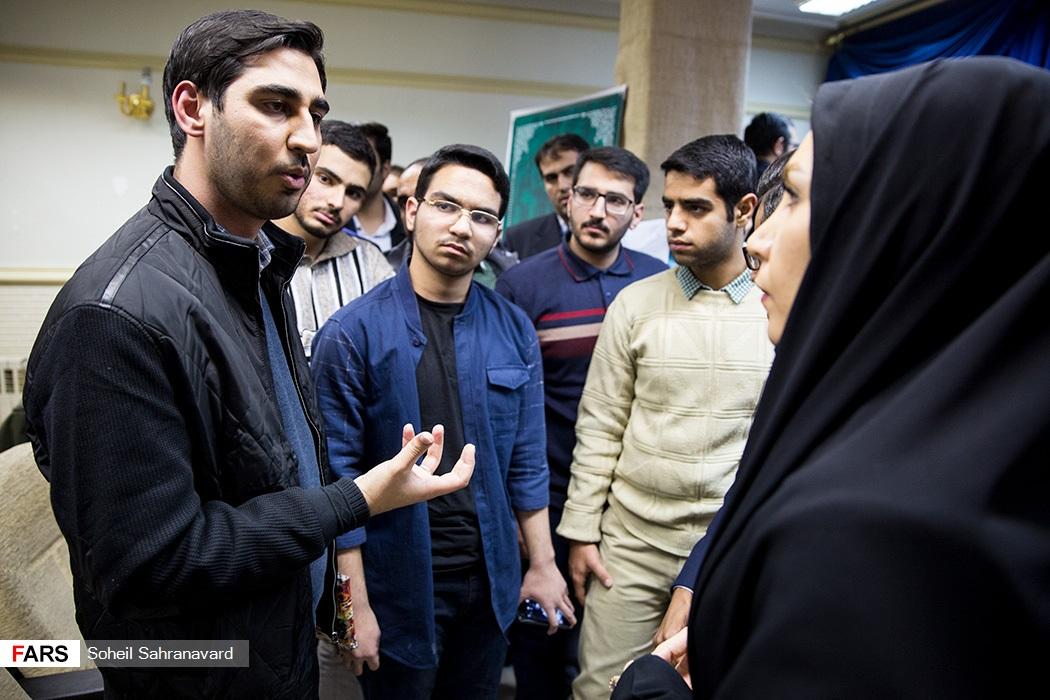 اکران مستند قائم مقام در دانشکده رسانه فارس