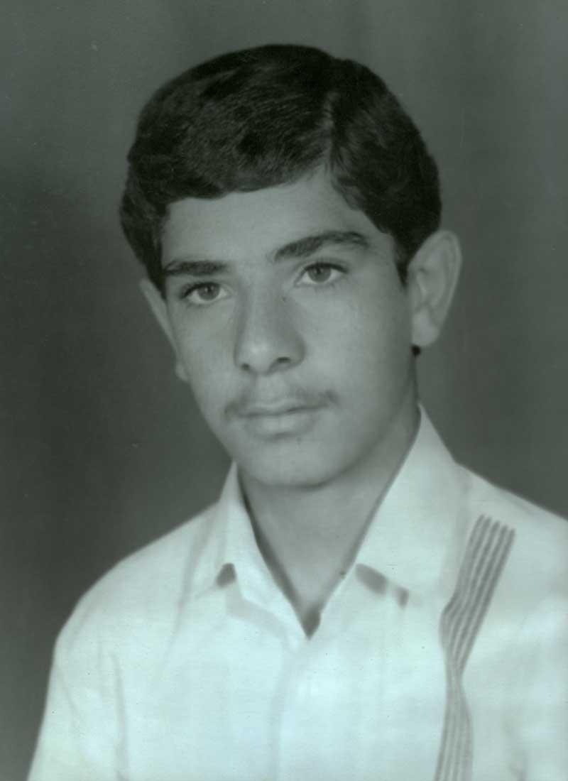 زیارت مزار شهیدقمی-علی اصغر