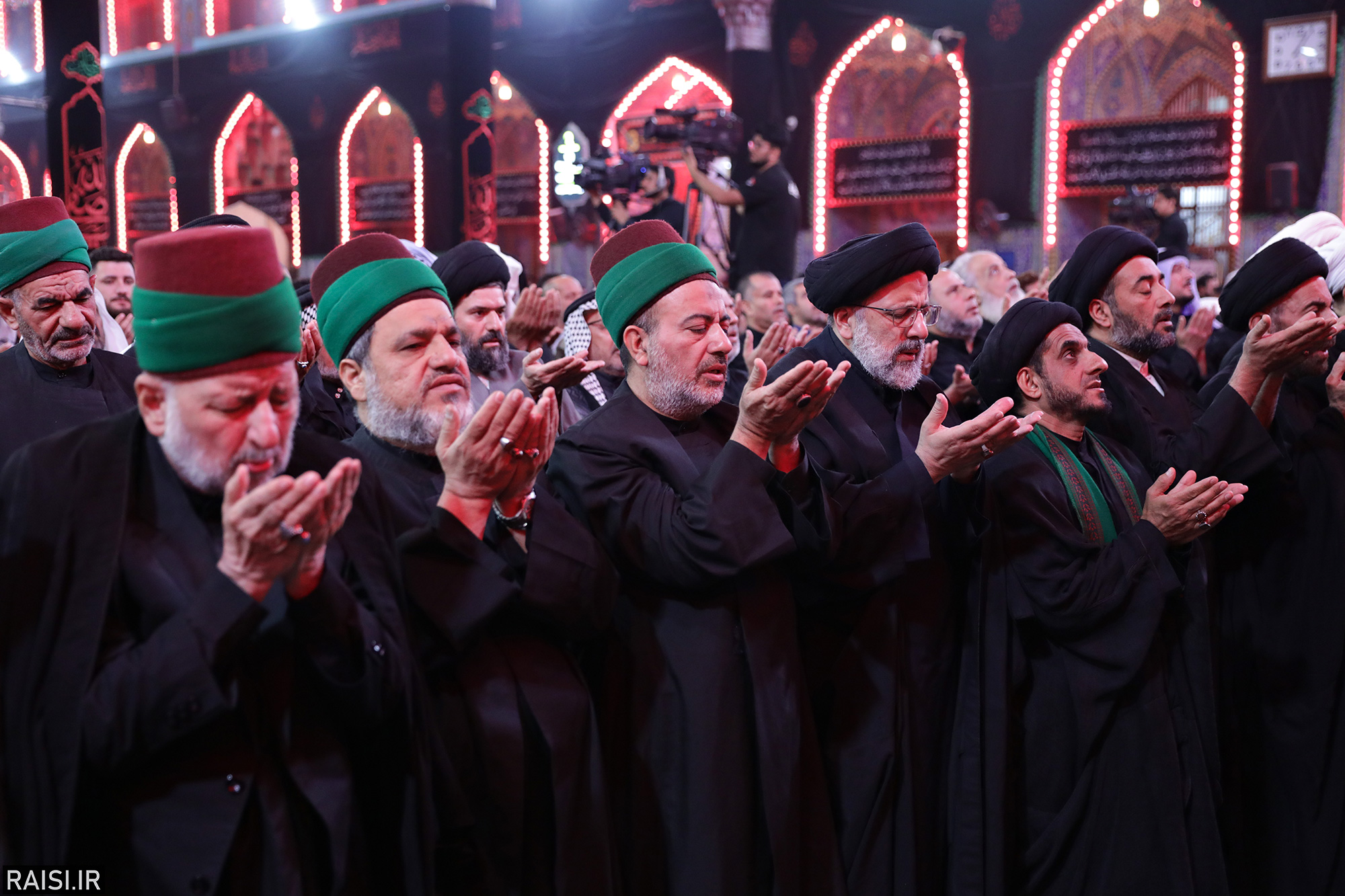 گزارش تصویری تشرف تولیت آستان قدس به حرم  امام حسین(ع)