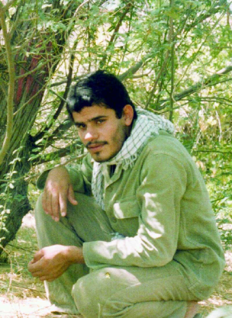 زیارت مزار شهیدسلیمانی -محمدمهدی