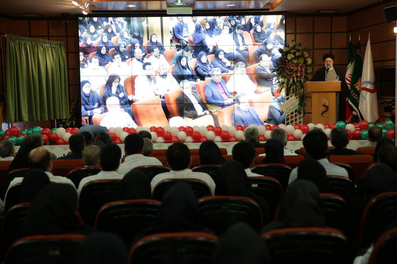 تولیت آستان قدس رضوی: مشهد میتواند به قطب سلامت کشور تبدیل شود