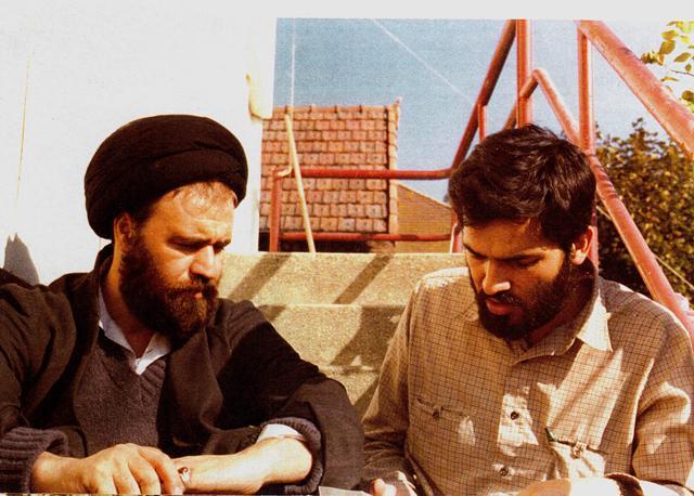 http://bayanbox.ir/view/6800158782486302871/Ahmad-khomeini-and-Ghadiri-Abyaneh.jpeg