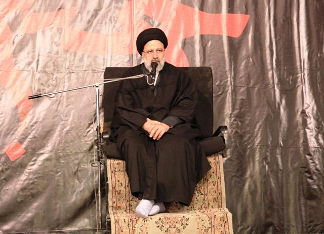 مامون عباسی به دنبال تلفیق دو جریان امامت و خلافت و در نهایت از میان بردن امامت ناب بود