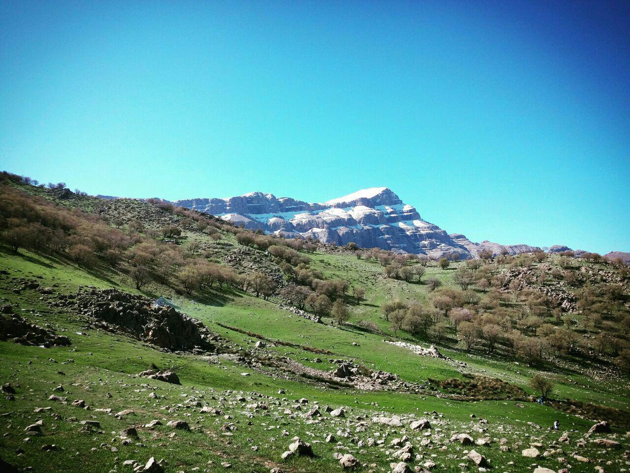 کوه پریز و چشمه راکن