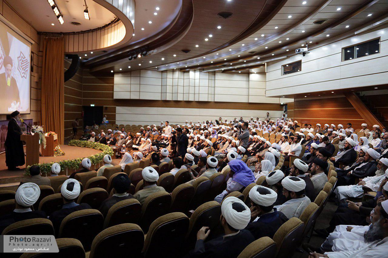 علمای شیعه و سنی مرزبانان بصیرت آفرین اندیشه و اخلاق اسلامی هستند