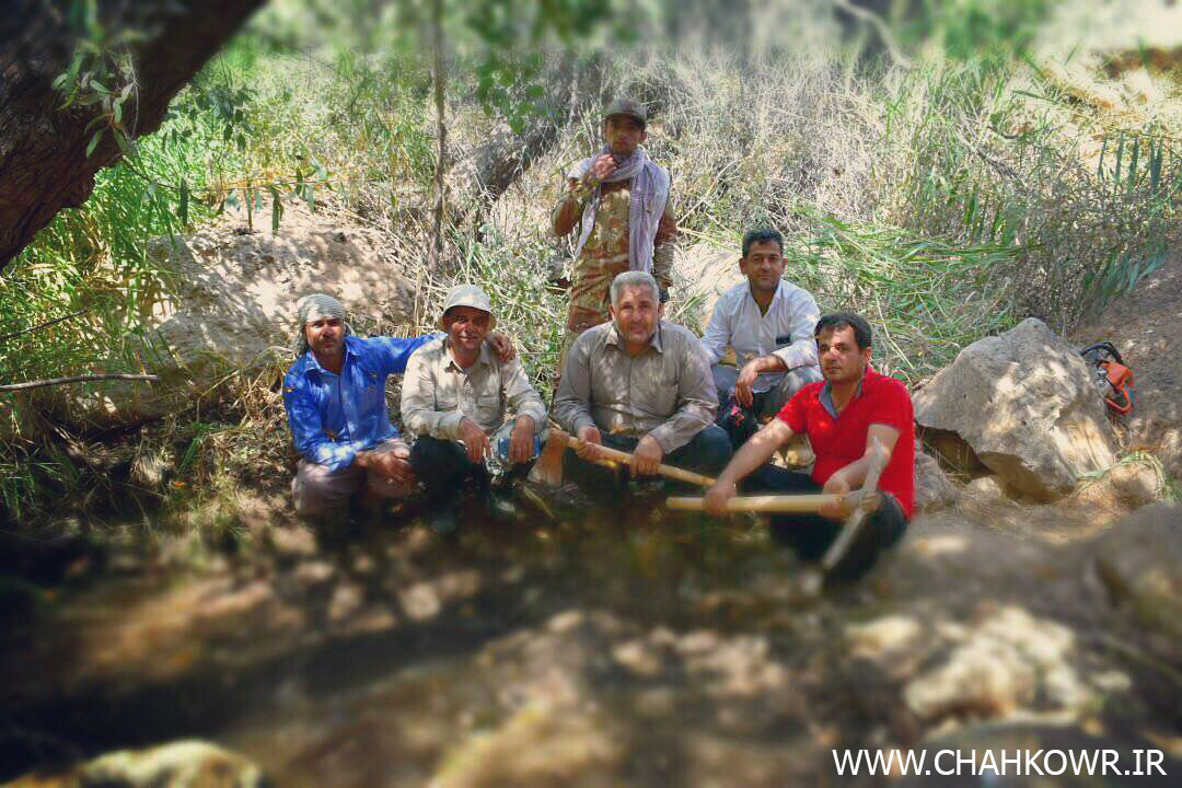 http://bayanbox.ir/view/7114567818962703842/Paksazi-Cheshmeh-Aab-KharzahreDan-10.jpg
