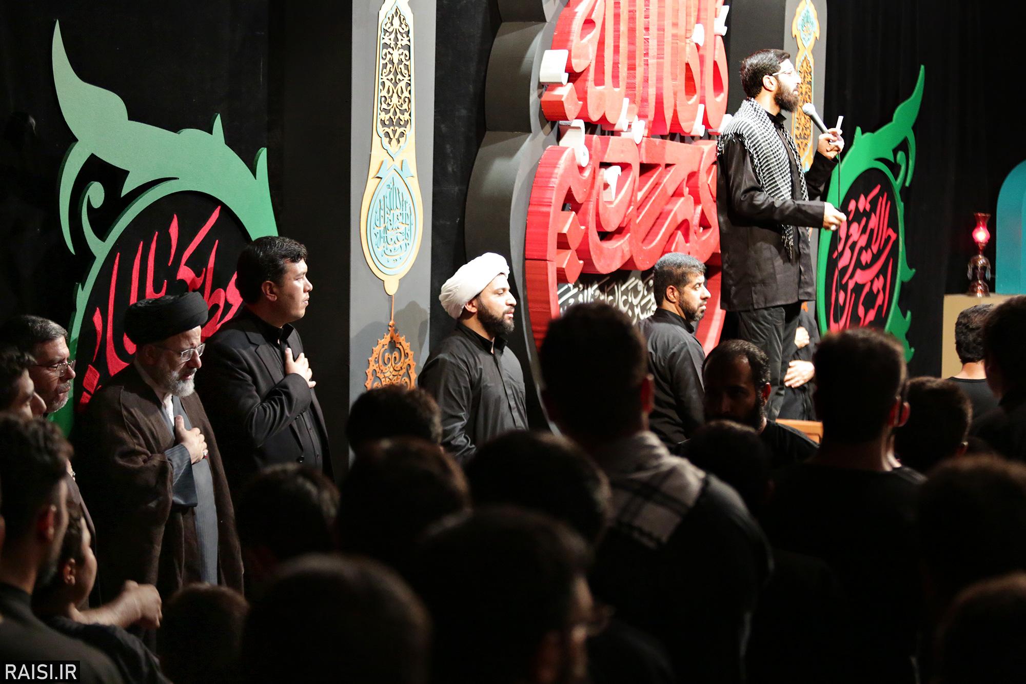 گزارش تصویری حضور تولیت آستان قدس در هیئت فدائیان حسین(ع) اصفهان