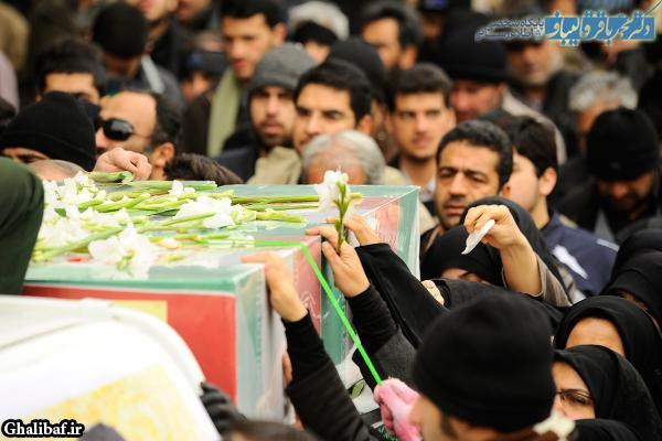 تشییع و تدفین پیکرهای پاک پنج شهید گمنام در میدان امام حسین (ع)