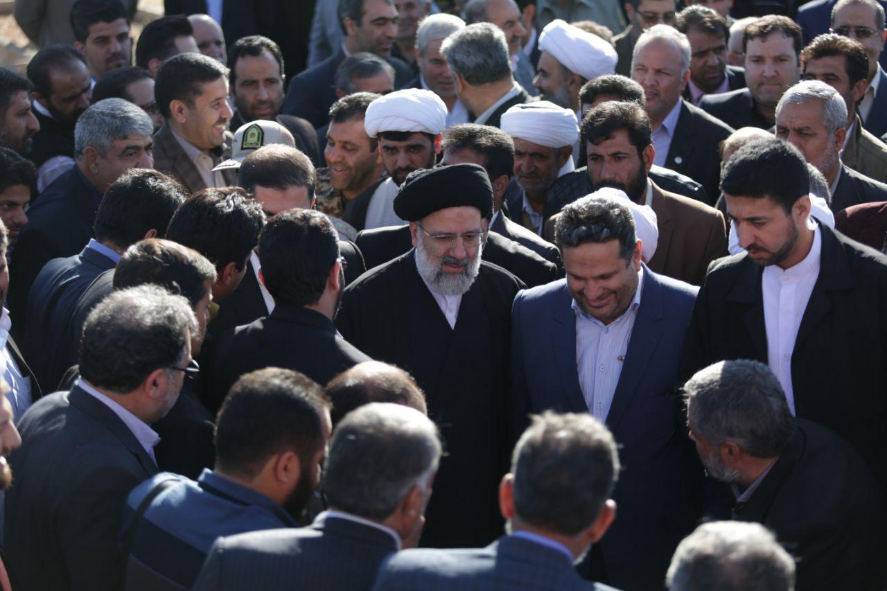 گزارش تصویری:استقبال پر شور مردم سرخس از تولیت آستان قدس رضوی حجت الاسلام رئیسی