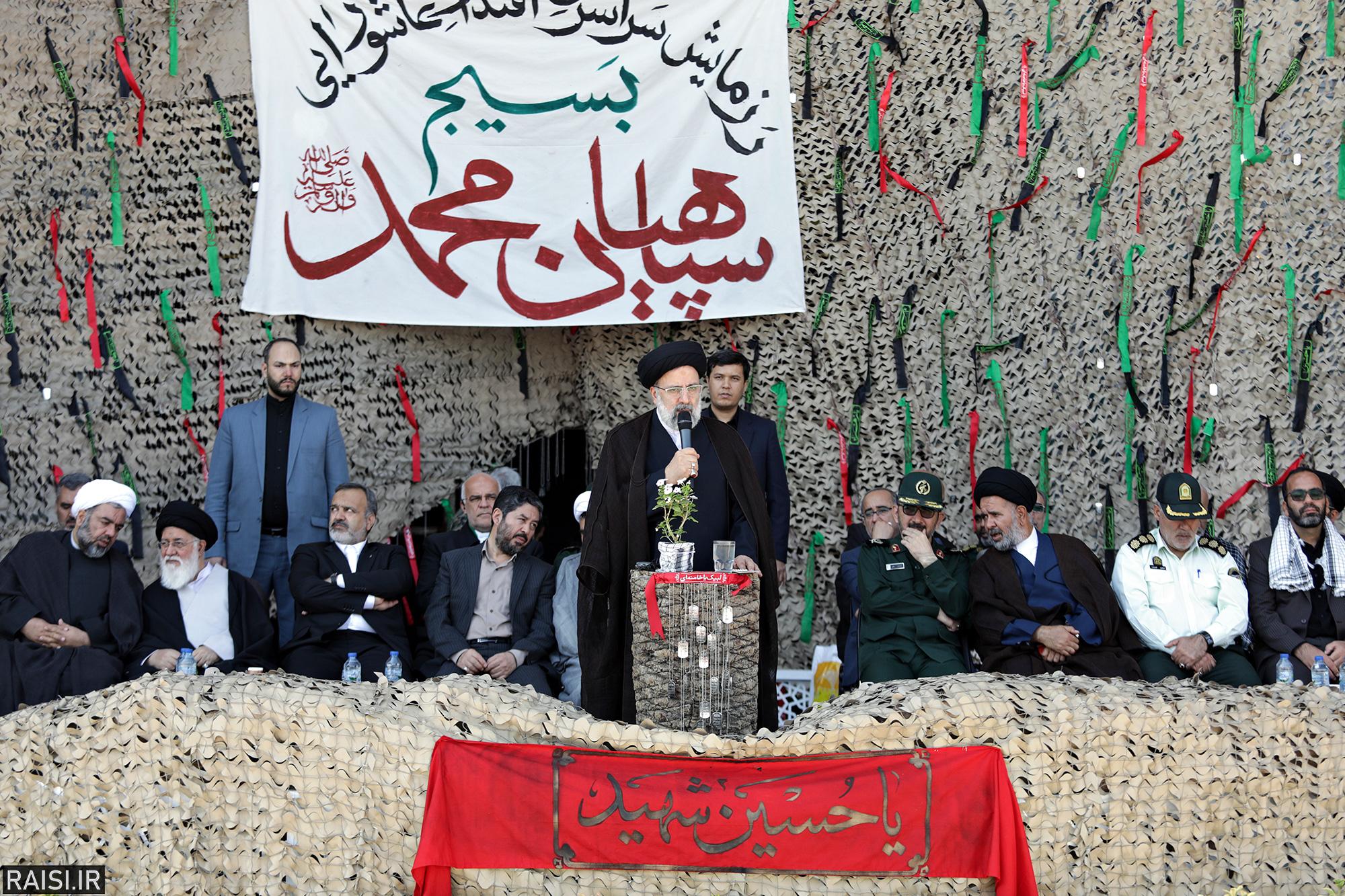 گزارش تصویری رزمایش سراسری اقتدار عاشورایی بسیج سپاهیان محمد(ص)  با سخنرانی تولیت آستان قدس