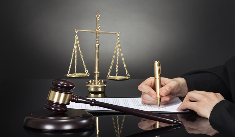 یک تجربه؛ وکیل بگیریم حتما!