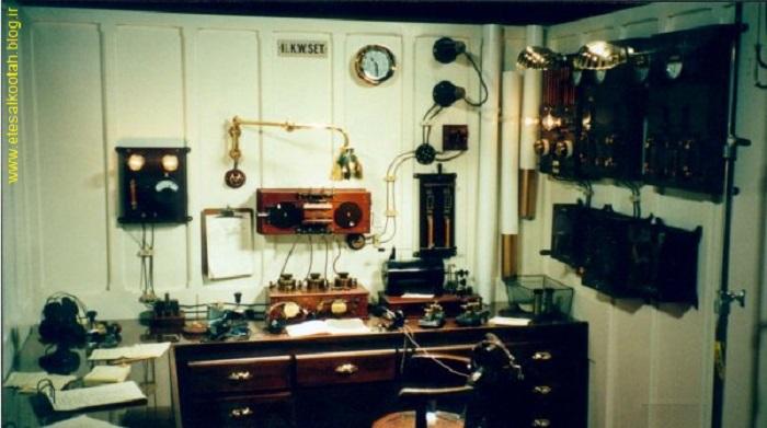 اتاق مخابرات بی سیم کشتی تیتانیک
