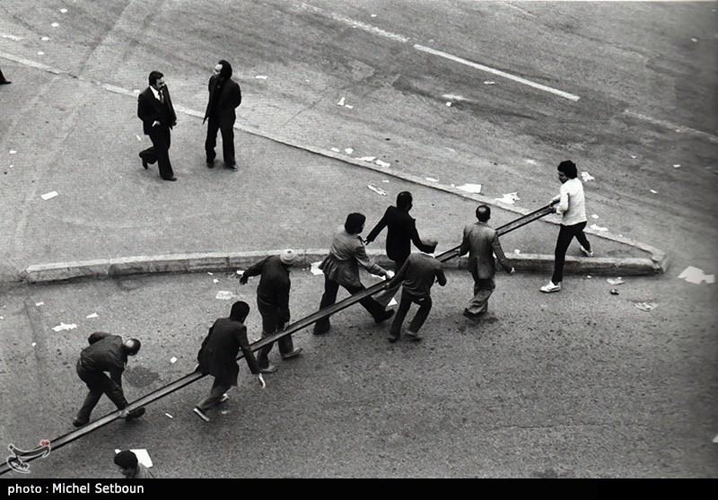 سال ها 56 و 57 مردم هر روز در خیابان راهپیمیایی داشتند