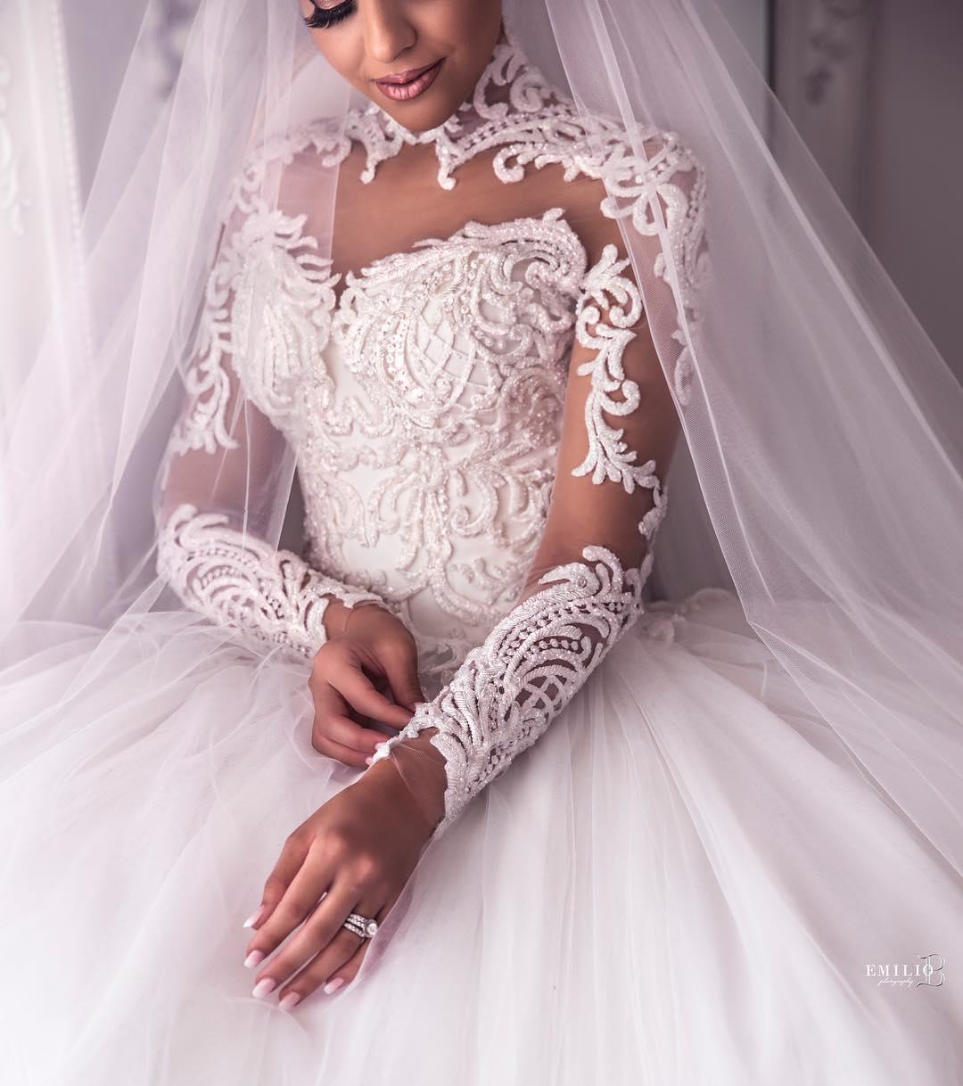 لباس عروس دامن پفیآستین گیپور 2019