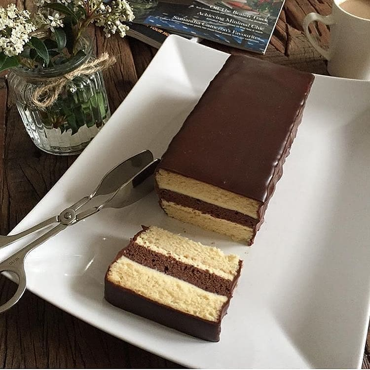 طرز تهیه کیک اندونزیایی خوشمزه خانگی برای عصرانه و دوره همی های دوستانه
