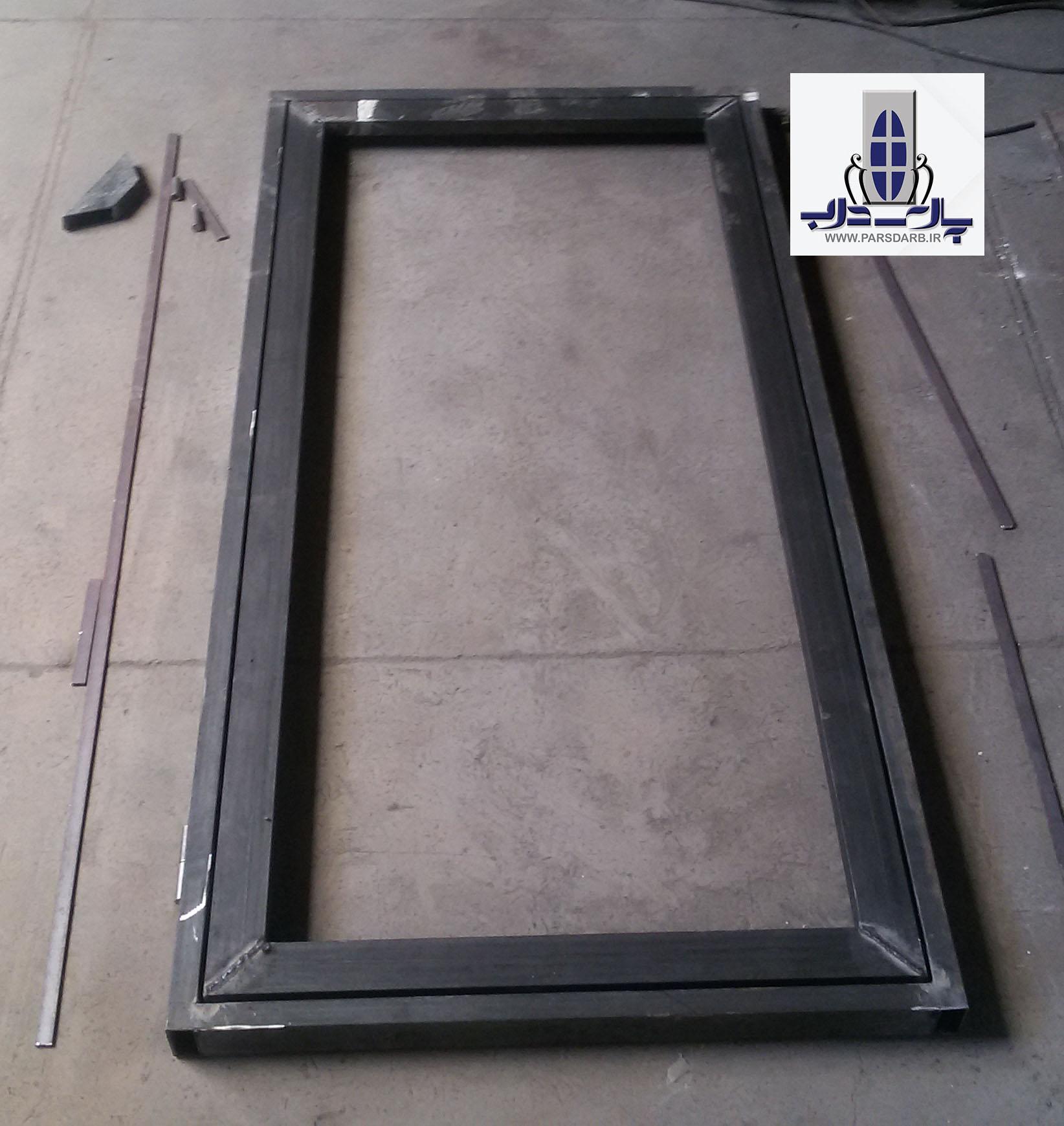 مراحل ساخت درب فلزی