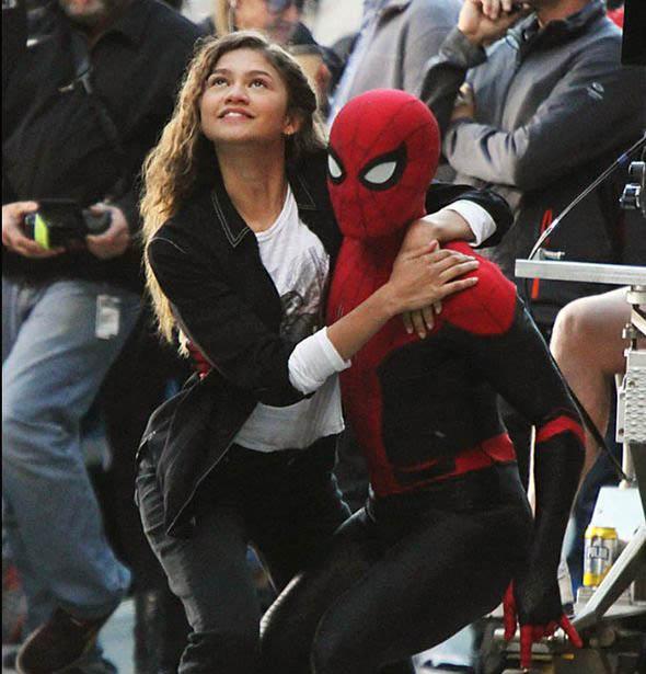 doble farsi film Spider-Man Far From Home 2019 bedone sansor