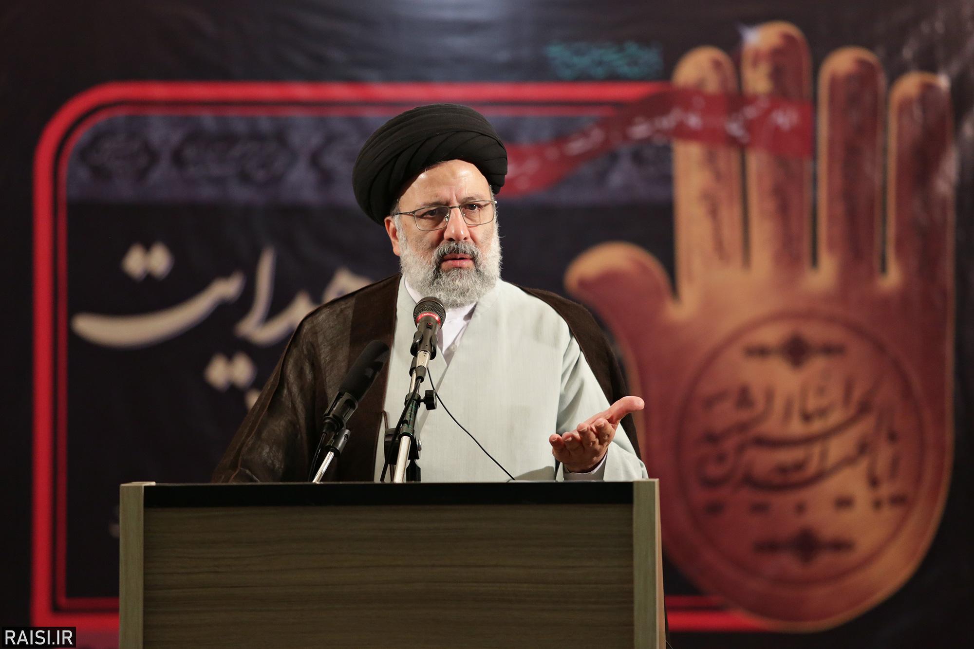 گزارش تصویری سخنرانی تولیت آستان قدس رضوی در همایش طلایه داران هدایت