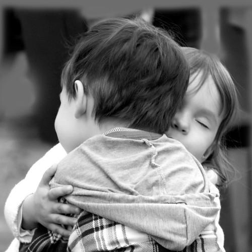 http://bayanbox.ir/view/819050940191989963/hugs1.jpg