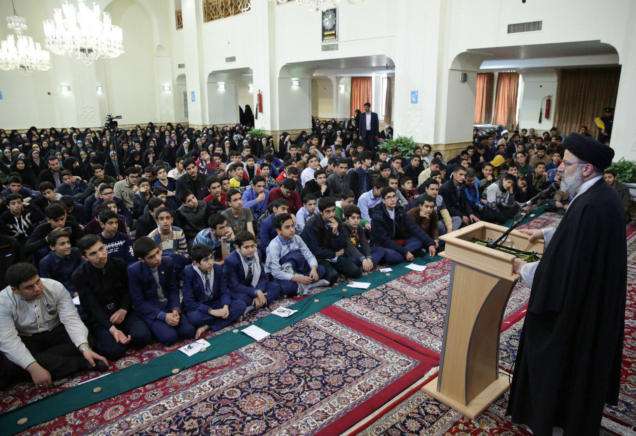 صیانت از ارزشهای اسلامی رسالت اتحادیه انجمنهای اسلامی دانشآموزان است
