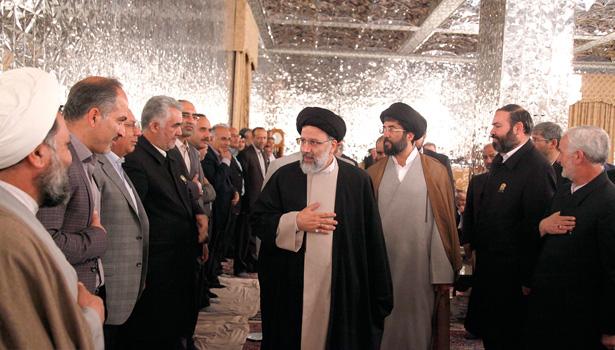 اجلاس مدیران و سرکشیکهای خدام آستان قدس رضوی با حضور حجت الاسلام و المسلمین رئیسی