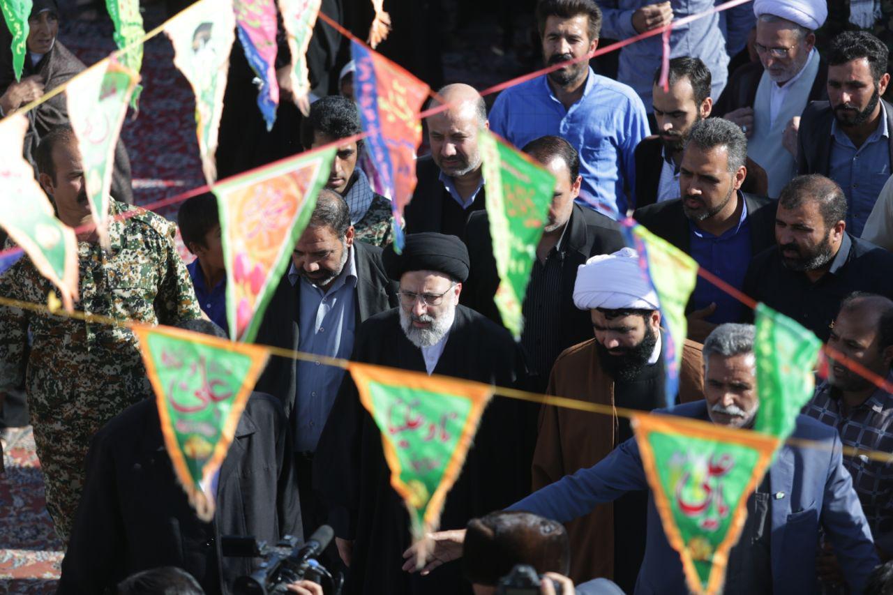گزارش تصویری:حضور تولیت آستان قدس رضوی حجت الاسلام رئیسی در جمع مردم کندکلی