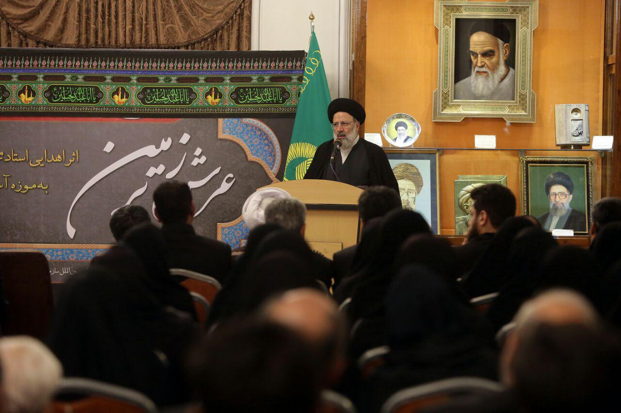 انقلاب اسلامی، در ثبت آثار هنری نسبت به دیگر انقلابهای جهان مظلوم واقع شده است