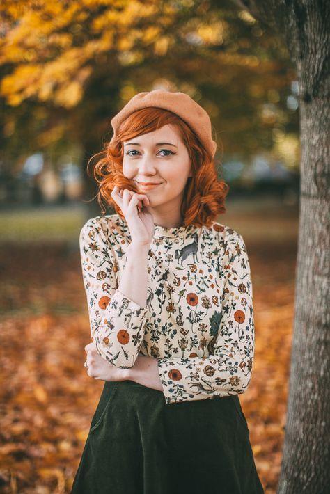 ژست شیک عکس دخترانه در پاییز برای پروفایل