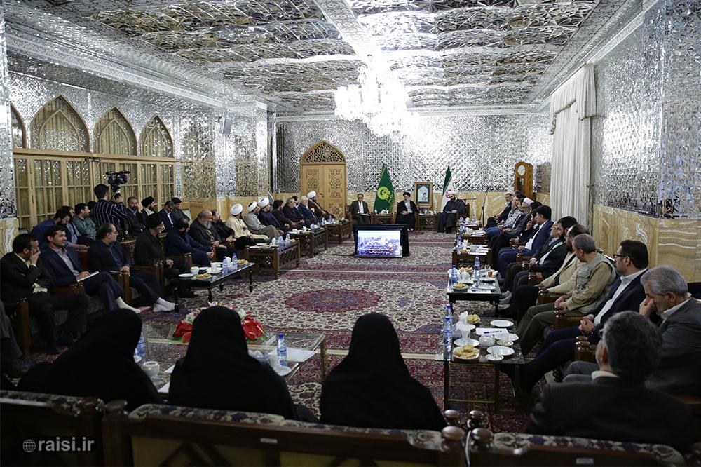 تولیت آستان قدس رضوی:  هنر انقلاب اسلامی علیرغم همه موانع روزبهروز رونق بیشتری مییابد
