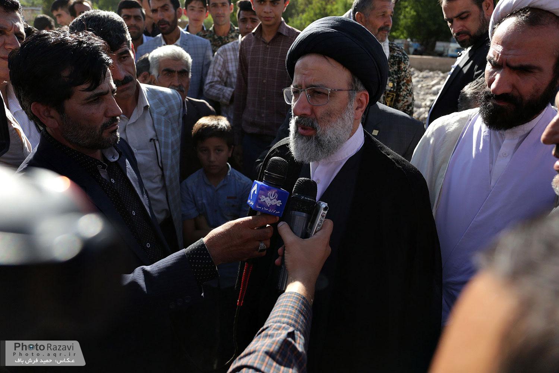 سخنرانی تولیت آستان قدس رضوی در جمع مردم روستای سیل زده ایدلیک