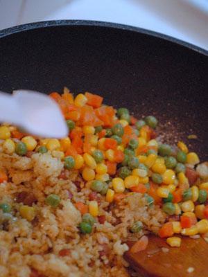 پن کیک برنج و سبزیجات
