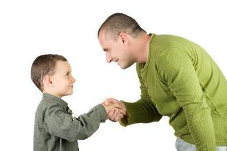 ابراز محبت به کودکان