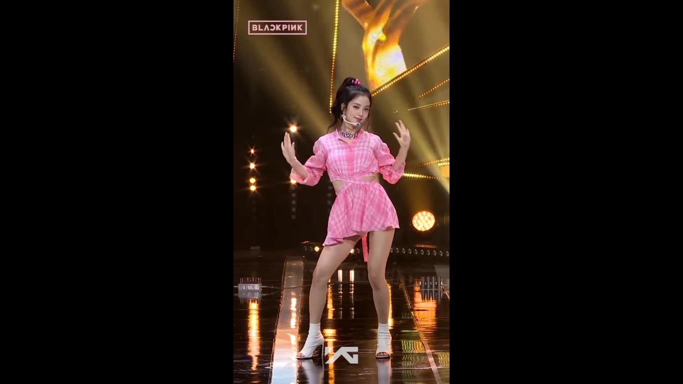 اجرای جیسو | Jisoo در کنسرت Forever Young