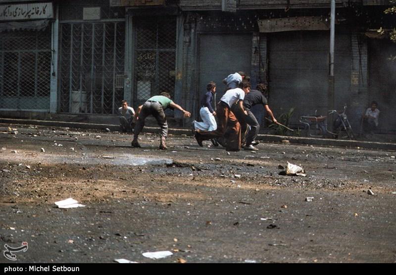 سربازان ارتش قبل از بهمن 57 به دستور شاه مردم را به رگبار گلوله بستند