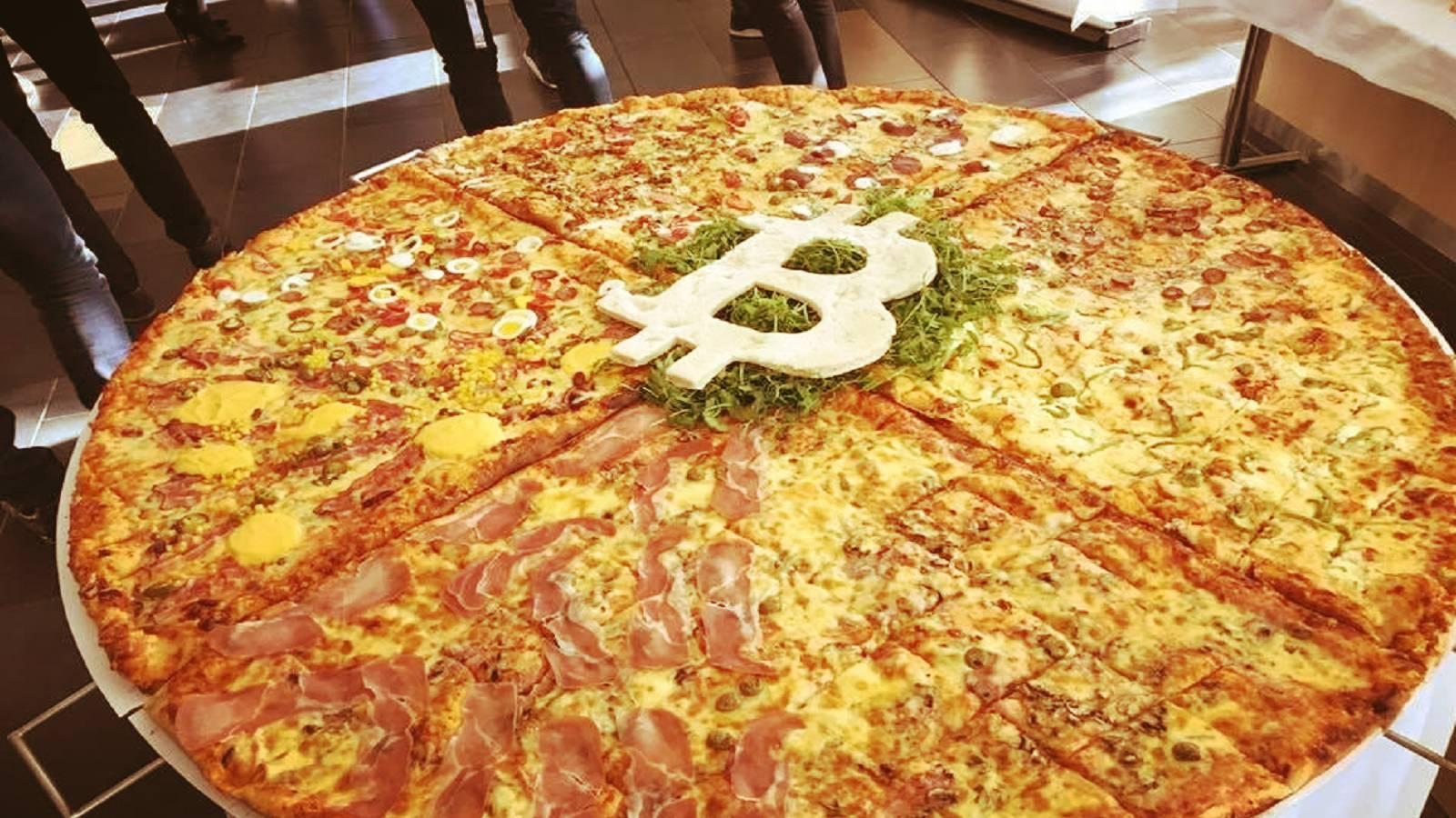 https://bayanbox.ir/view/3330403952017324740/bitcoin-pizza-day.jpg