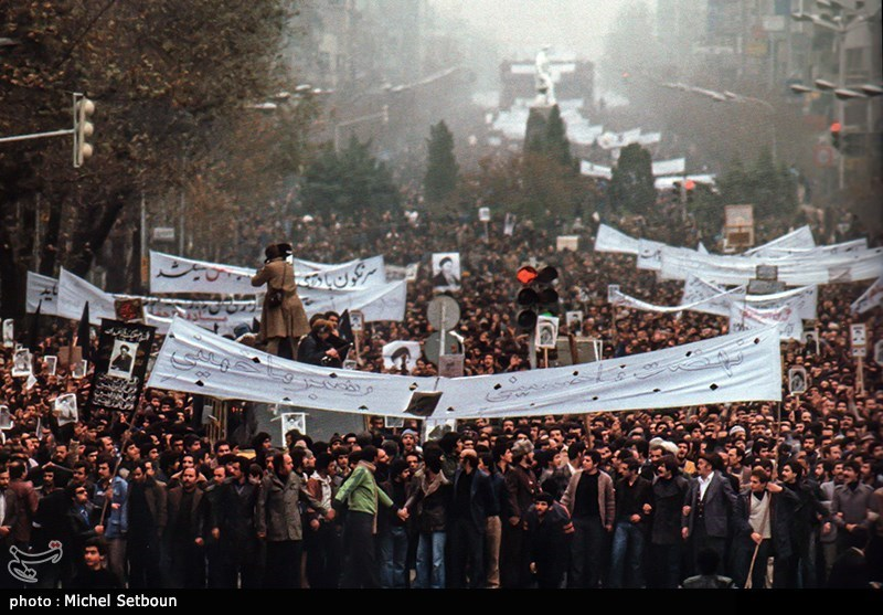 نهضت ما حسینی ، رهبر ما خمینی