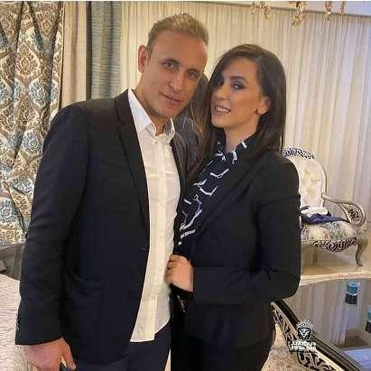 داغ ترین عکس های یحیی گل محمدی و همسرش