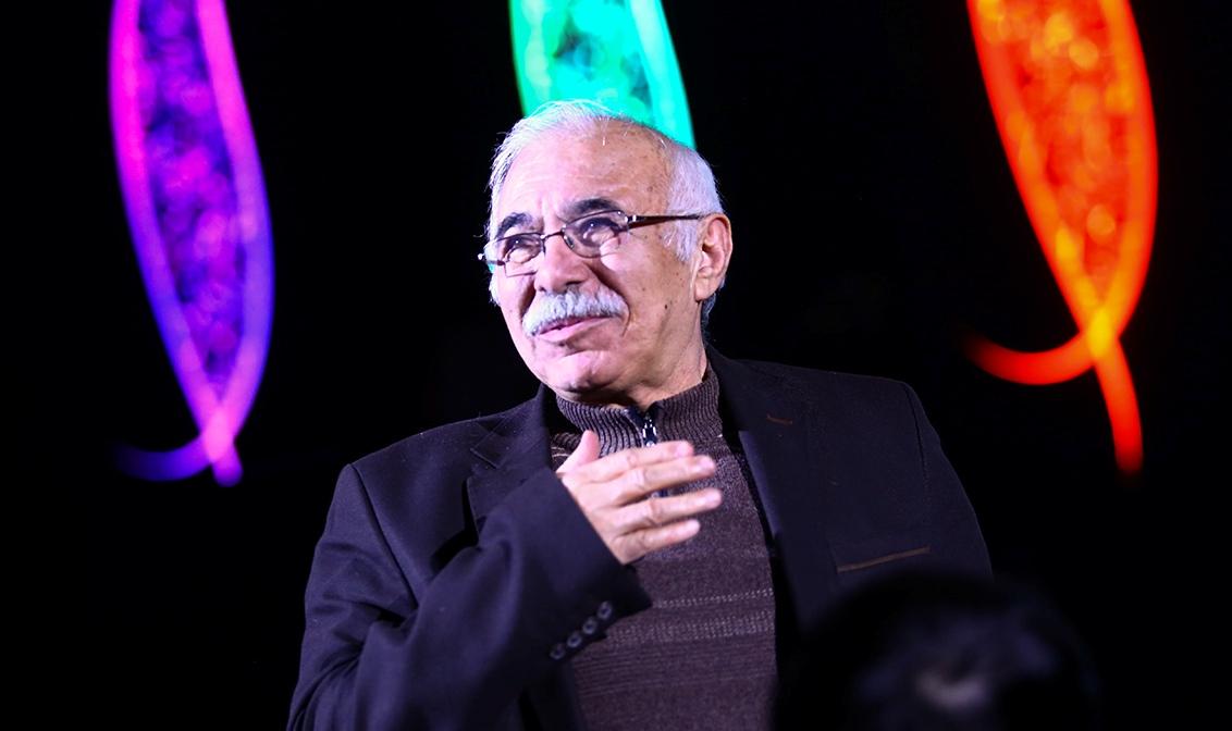 محمدعلی بهمنی: با شعرهای سیامک عباسی زندگی می کنم